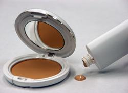 天然系保湿剤「サーフメロウ®」を使用したファンデーションのイメージ