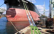 ダイニーマの使用イメージ(船舶用ロープ)